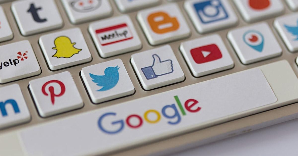 Para obtener los primeros lugares de los buscadores como Google, te recomendamos que inviertas en asesoría profesional.
